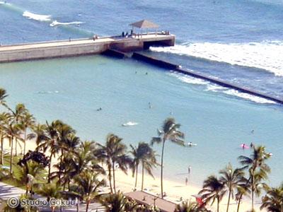 ホテルの窓からのハワイワイキキビーチ